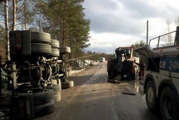 Грузовой эвакуатор в Ленинградской области